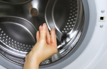How To Clean Your Washing Machine 1mhowto
