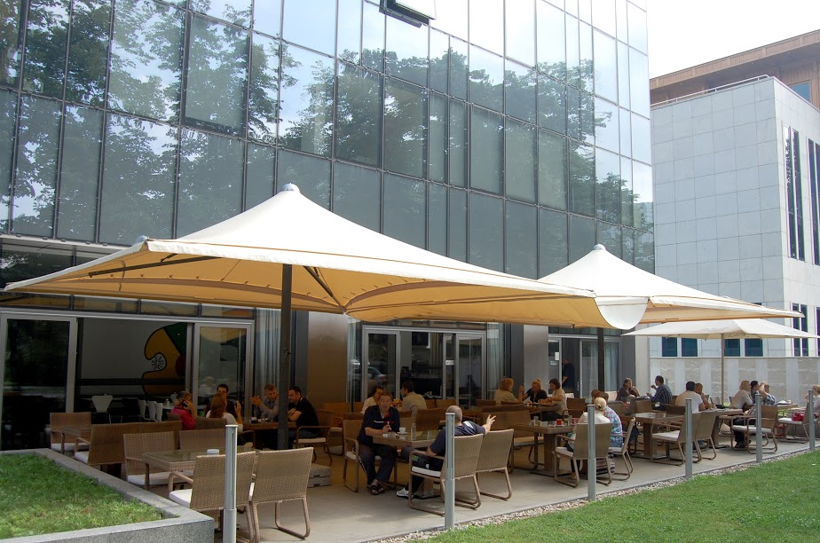 Pvc Patio Covers How To Choose The Cover For Your Patio Umbrella 1mhowtocom