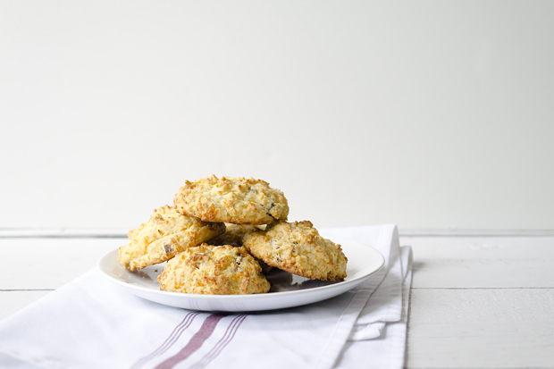 Anytime is a Good Time for Bacon Cheddar Biscuits | 1mhowto.com