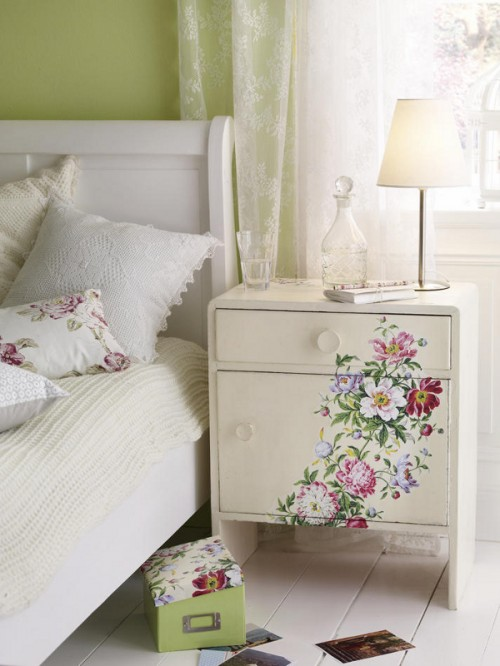 Decoupage Your Furniture 1mhowto Com