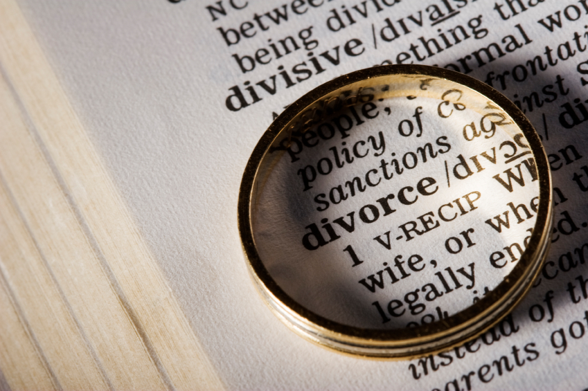 , How and when to hire a divorce lawyer?
