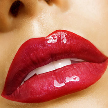 Natural way for fuller lips effect