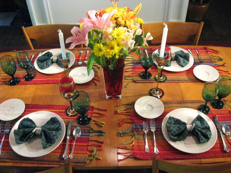 How to set festive table