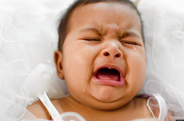 How to recognize baby colic