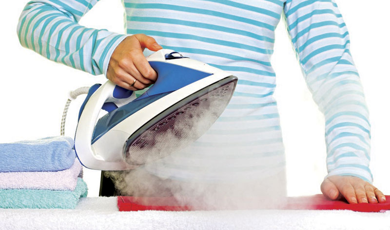 , How to clean the bottom of your iron