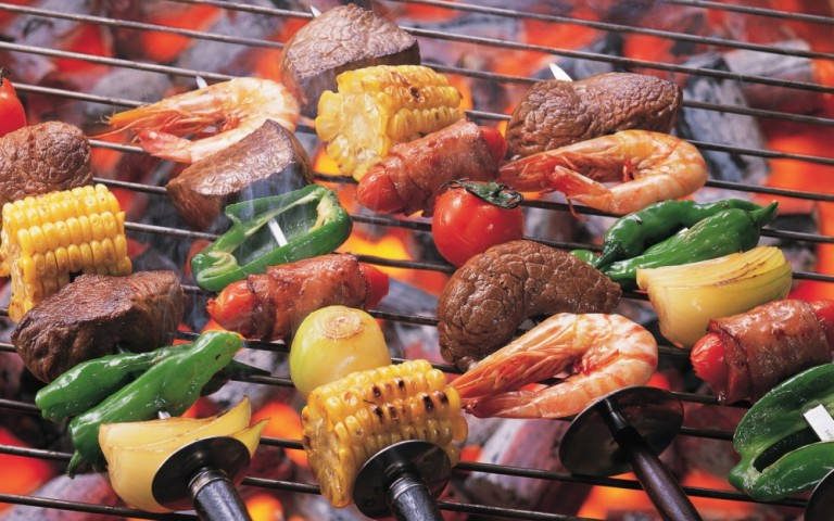 4 effortless ways to clean your BBQ grill