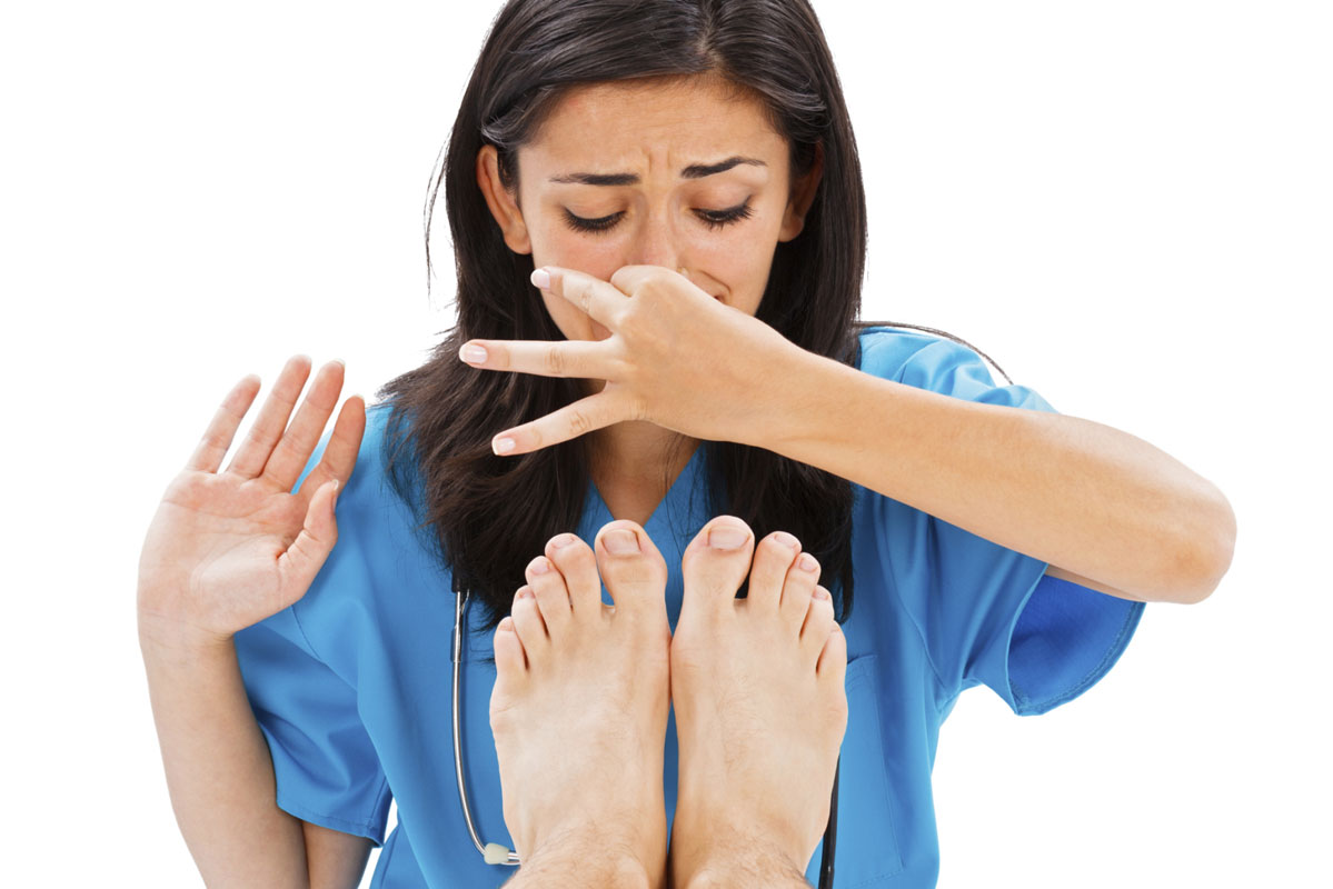 How to prevent foot odor