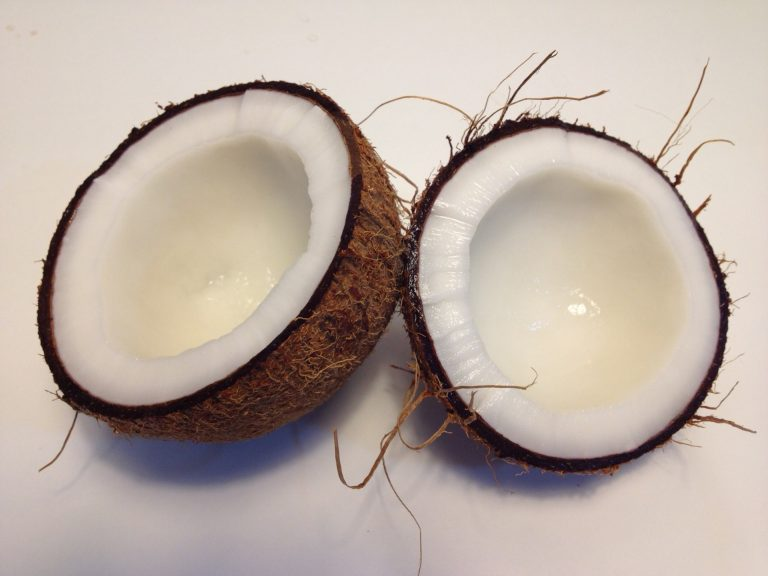 Coconut Oil Hacks That Are Definitely Worth Trying
