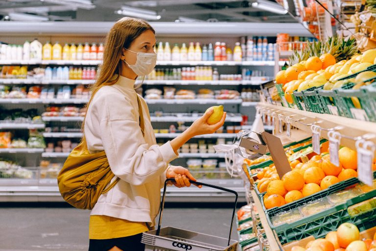 How to save money on groceries: 10 Effective and Easy-to-follow tips